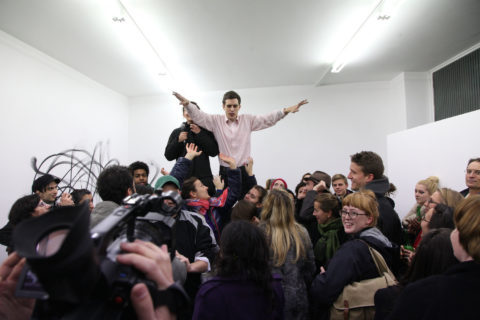 Christian Falsnaes, Existing Things. Performance, COCO, Vienna, 2010 (c) eSel.at